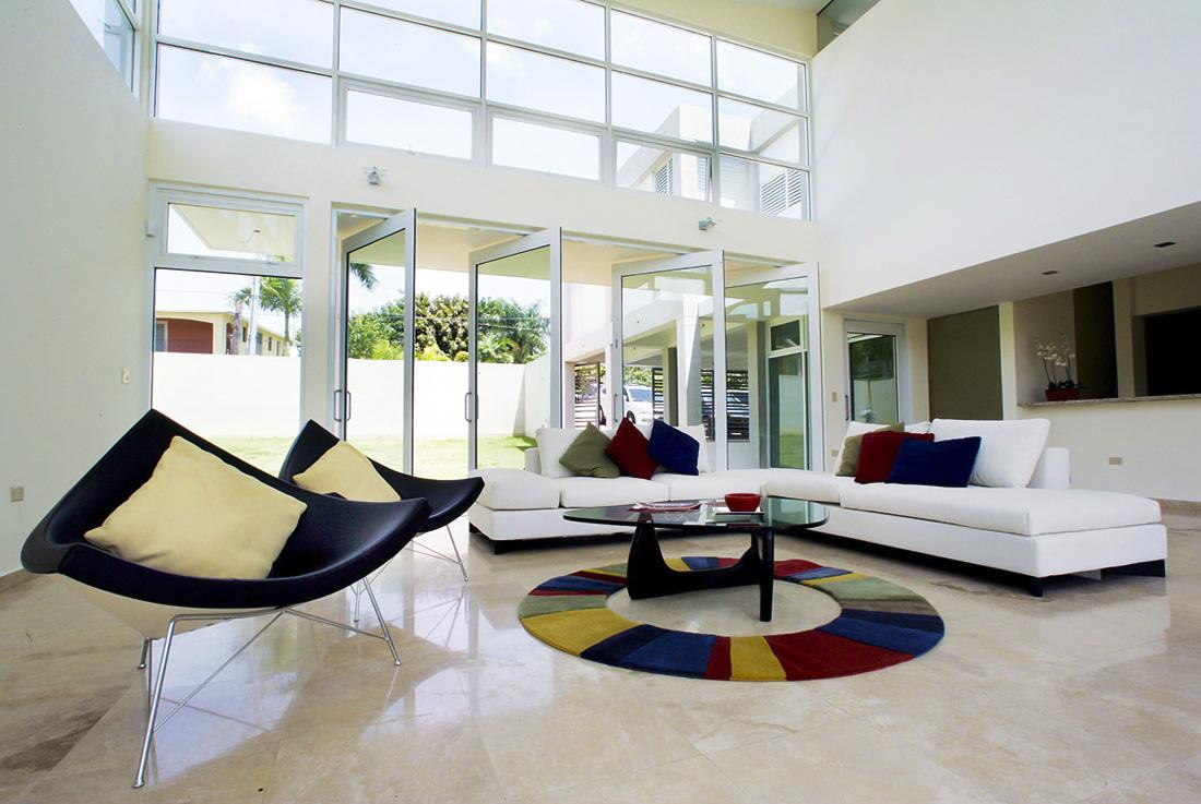 Phòng khách được thiết kế tối giản